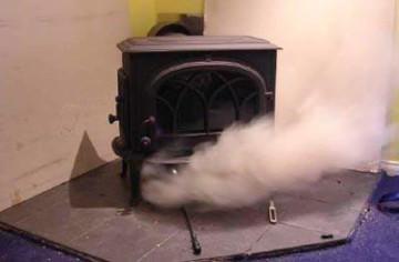 Обратная тяга: дым идёт в дом