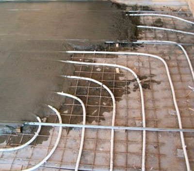 Стяжка труб для тёплого пола цементом