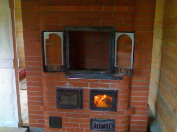Печь с духовкой и варочной плитой