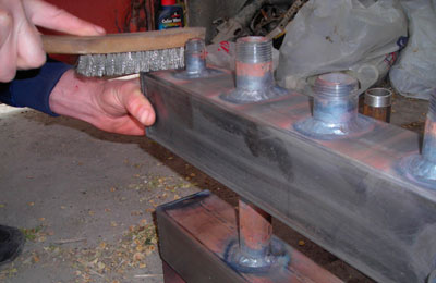 Зачистка резьбы щёткой металлической